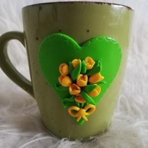 Tulipános bögre , Bögre & Csésze, Konyhafelszerelés, Otthon & Lakás, Gyurma, Egyedi tulipános bögre ékszergyurmából készített, kézzel formázva.\nKézzel mosható! , Meska