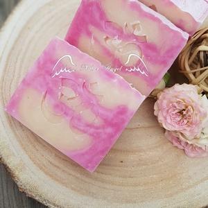 Natúr szappan - Rózsafa illattal, Szépségápolás, Szappan & Fürdés, Szappan, Szappankészítés, Natúr szappan - Rózsafa illattal\n\nTermészetes alapanyagok, többek között olívaolaj és szőlőmagolaj f..., Meska