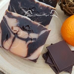 Natúr szappan - Étcsokoládés, narancsos, Szépségápolás, Szappan & Fürdés, Szappan, Szappankészítés, Natúr szappan - Étcsokoládés, narancsos\n\nTermészetes alapanyagok, többek között olívaolaj és szőlőma..., Meska