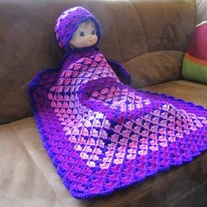 Baba takaró sapkával, Otthon & Lakás, Lakástextil, Takaró, Horgolás, Különleges mintával készült ez az árnyalatos takaró, melyhez illeszkedik a sapka mintája és színe is..., Meska
