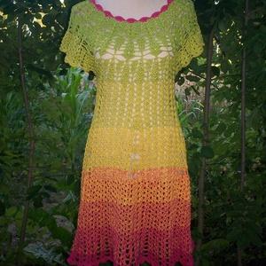 Horgolt színátmenetes pamut ruha, Ruha, Női ruha, Ruha & Divat, Horgolás, 100% pamut anyagból készült ez a kedves színű könnyű nyári ruha.\nMérete S-M, hossza 100 cm., Meska
