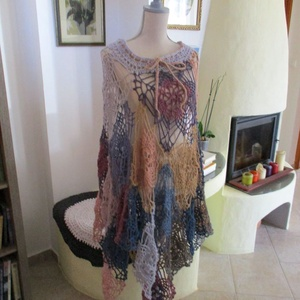 Több féle képpen viselhető női ruha, poncsó, szoknya, ahogy tetszik, Női ruha, Ruha & Divat, Poncsó, Horgolás, Mohair anyagból készült ez a különleges darab.\nHossza kivágástól mérve 70 cm., Meska