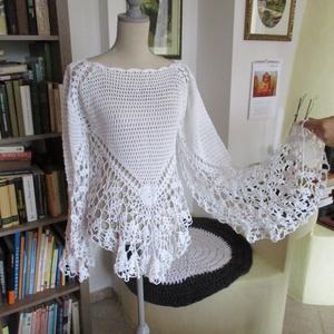 Romantikus horgolt felső, Ruha & Divat, Női ruha, Blúz, Pamut anyagból horgoltam ezt a különleges csipke blúzt. Akár esküvőre is el tudom képzelni. Mérete: ..., Meska