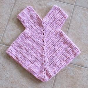 Rózsaszín, horgolt kislány ruha, Ruha, Babaruha & Gyerekruha, Ruha & Divat, Horgolás, Finom zsenília anyagból horgoltam ezt a különleges szabású kislány ruhát.\nMellbősége 42 cm, hossza 4..., Meska