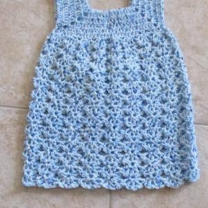 Kék cirmos egyenes vonalú horgolt ruha, Ruha, Babaruha & Gyerekruha, Ruha & Divat, Horgolás, Kellemes puha fonalból horgoltam ezt a kislány ruhát.\nMellbősége 50 cm, hossza 48 cm., Meska