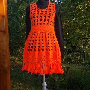 Narancs horgolt ruha, Táska, Divat & Szépség, Ruha, divat, Gyerekruha, Kamasz (10-14 év), Női ruha, Ruha, Horgolás, Élénk narancs színű ruha, rugalmas mintával, így több méretben is megfelelő.\nMellbőség75-85 cm\nhossz..., Meska