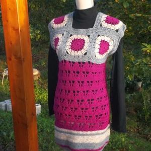 Pink-szürke vastag ruha, Táska, Divat & Szépség, Ruha, divat, Gyerekruha, Kamasz (10-14 év), Női ruha, Ruha, Póló, felsőrész, Horgolás, Meleg vastag modern ruha készült. Mellényként és ruhaként is használható.\nMellbőség 80-85 cm, hossza..., Meska