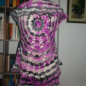 Lila-szürke kör mellény, Mellény, Női ruha, Ruha & Divat, Horgolás, Szép csipke mintával horgoltam ezt a gyönyörű darabot.\nMérete M-L., Meska