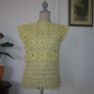 Sárga horgolt női felsőrész, Póló, felső, Női ruha, Ruha & Divat, Horgolás, Körös mintával díszítettem ezt a mellényként is használható darabot. A fonal vékony fémszállal van d..., Meska