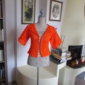 Élénk narancssárga horgolt kabátka, Kabát, Női ruha, Ruha & Divat, Horgolás, Könnyű, meleg kis felsőrészt horgoltam.\nMellbősége 85-90 cm, hossza 45 cm,\nujja hossza 20 cm., Meska