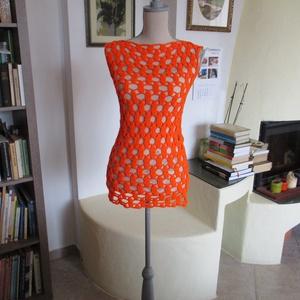 Élénk narancssárga horgolt női felsőrész, Póló, felső, Női ruha, Ruha & Divat, Horgolás, Körök körökbe kapcsolódnak ezen az izgalmas horgolt blúzon. Kellemes szellős, így akár strandruha is..., Meska