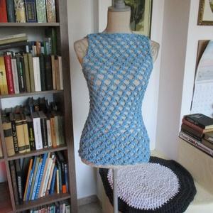 Solomon öltéssel készült világoskék nöi felsőrész, Póló, Babaruha & Gyerekruha, Ruha & Divat, Horgolás, Különleges technikával horgoltam ezt a rugalmas mintájú blúzt.\nMérete 36-38, Meska