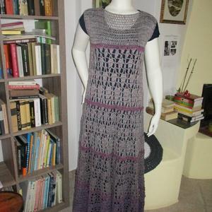 Vastag pamut hosszú horgolt ruha, Ruha, Női ruha, Ruha & Divat, Horgolás, 100% pamut fonalból horgoltam ezt a lefelé erősen bővülő, szín átmenetes ruhát.\nMérete L-XL\nmellbősé..., Meska