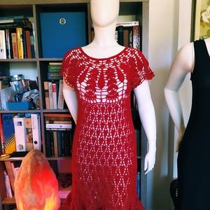 Meggypiros horgolt női ruha, Ruha & Divat, Ruha, Női ruha, Fényes szállal díszített fonalból horgoltam ezt a romantikus női ruhát. Mérete L.  Hossza 100 cm...., Meska