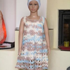 Kék-drapp horgolt kislány ruha, Ruha, Babaruha & Gyerekruha, Ruha & Divat, Horgolás, Mikrofiber anyagból horgoltam ezt a kislány ruhát. Habos, jó esésű anyag.\nMellbősége 50 cm, hossza 6..., Meska