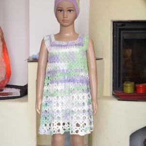 Világos lila-zöld horgolt kislány ruha, Ruha, Babaruha & Gyerekruha, Ruha & Divat, Horgolás, Gyönyörű mikrofiber fonalból horgoltam ezt a kislány ruhát.\nMellbősége 50 cm\nHossza 58 cm., Meska