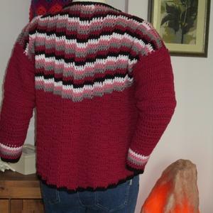 Horgolt női kabát lépcsőzetes mintával - Meska.hu
