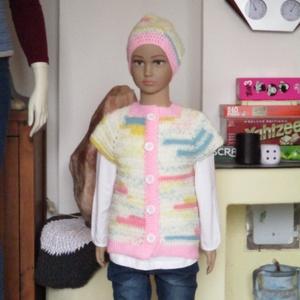 Pasztel színű horgolt kislány mellény rózsaszínű passzéval, sapkával., Ruha & Divat, Babaruha & Gyerekruha, Pulóver, Horgolás, Kellemes középvastag fonalból horgoltam ezt az együttest.\nMérete 110-es.\nHossza 43 cm.\nSapka 42-46-o..., Meska