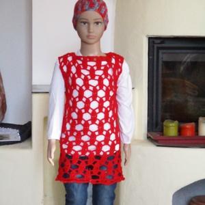 Piros körös horgolt kislány mellény, Ruha & Divat, Babaruha & Gyerekruha, Ruha, Horgolás, Különleges rugalmas mintával készült ez a kislány mellény.\nMérete 110-118-as.\nHossza 110-es méretnél..., Meska