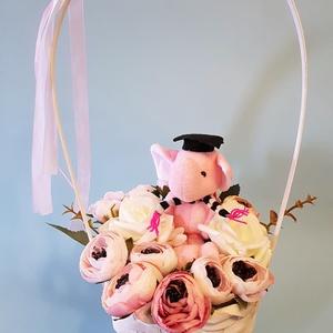 Cuki virágkosár ballagásra, Otthon & lakás, Lakberendezés, Asztaldísz, Gyereknap, Ünnepi dekoráció, Dekoráció, Mindenmás, Virágkötés, Ovis, sulis ballagásra. Kicsiknek és kicsit nagyobbaknak:-) Egyedi és örök ballagási emlék, ajándék..., Meska