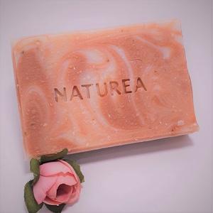 SHEA ÉS KECSKETEJ-Rózsa szappan, Szépségápolás, Szappan & Fürdés, Szappan, Szappankészítés, Száraz, érzékeny bőrre ajánlott tökéletes ápolás. A kecsketej magas vitamin és ásványi anyag tartalm..., Meska