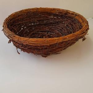 nyírfa gallyból kötött kosárka, Otthon & Lakás, Dekoráció, Dísztárgy, Mindenmás, Húsvéti fészekként is megállja a helyét a kosárka, szívesen elhelyezné benne a nyuszi a hímes tojáso..., Meska