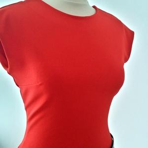 Piros káprázat, Táska, Divat & Szépség, Női ruha, Ruha, divat, Ruha, Varrás, Piros scuba jersey elasztikus anyagból készült gyönyörű esésű ruha, övvel együtt. 36-38 méret. \nElej..., Meska