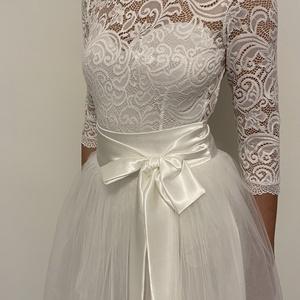Fehér csipkebody hosszú ujjal, Esküvő, Menyasszonyi ruha, Táska, Divat & Szépség, Ruha, divat, Női ruha, Póló, felsőrész, Varrás, Fehér elasztikus body. Kicsi 38 as 36 méretű body., Meska