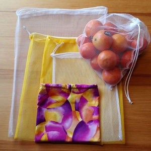 6 db-os tüllzsák-szett bevásárláshoz, ajándék tárolóval - sárga / fehér (nectar) - Meska.hu