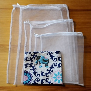 6 db-os tüllzsák-szett bevásárláshoz, ajándék tárolóval -  fehér (nectar) - Meska.hu