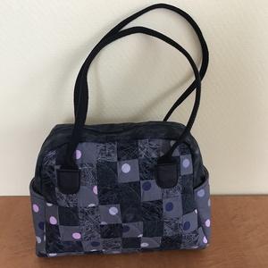női táska (pöttyös), Válltáska, Kézitáska & válltáska, Táska & Tok, Patchwork, foltvarrás, Minőségi pamuttextilből, három rétegű, patchwork technikával,  készült egyedi alkotás, a három réteg..., Meska