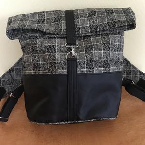 Hátizsák-kockás, Táska & Tok, Hátizsák, Roll top hátizsák, Varrás, Klasszikus fekete fehér színű jól pakolható hátizsák. Pamuttextil és textilbőr felhasználásával kész..., Meska
