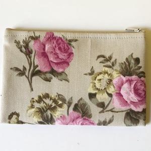 Rózsás Neszesszer, Neszesszer, Táska & Tok, Varrás, Romantikus rózsás neszesszer apróságok rendezett tárolására, hogy ne kelljen a táska alján sokáig ke..., Meska