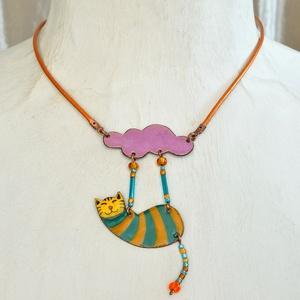 Tűzzománc cicás nyaklánc, macskás medál, macskás nyaklánc, csíkos nyaklánc, cirmos macska, cirmos macska nyaklánc, cica (Neki) - Meska.hu