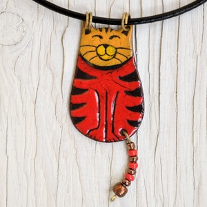 Alex a macska, cicás nyaklánc, macskás medál, Ékszer, Nyaklánc, Medálos nyaklánc, Tűzzománc, Alex a macska, tűzzománc nyaklánc vörösréz alapon. Alex egy cirmos házi macska aki imád szuggeráló t..., Meska