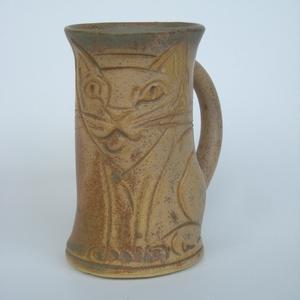 Karcsú sziámi macska kőedény bögre , Konyhafelszerelés, Otthon & lakás, Bögre, csésze, Férfiaknak, Kerámia, Karcsú karemellás-kávé színű bögre reggeli élénkítő-melegedődhöz. Kávé-forrócsoki előnyben.\n\nTermész..., Meska