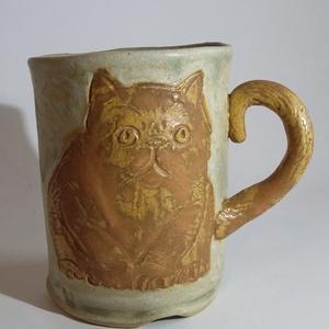 Dagadt vörcsi cica kőedény bögre 210 ml, Otthon & lakás, Konyhafelszerelés, Bögre, csésze, Férfiaknak, Kerámia, A füle a farka:) \nTermészet- és macskakedvelőknek nagy örömet okozol vele!\n\nElégedett kövér, békés v..., Meska