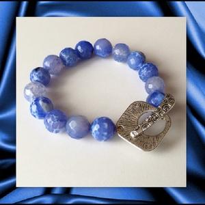 Fazettált kék achát ásvány karkötő, 1 cm-es, magas minőségű természetes féldrágakövekből, Ékszer, Karkötő, Ékszerkészítés, Fazettált kék achát ásvány karkötő, 1 cm-es, magas minőségű természetes féldrágakövekből\n\nKülönleges..., Meska