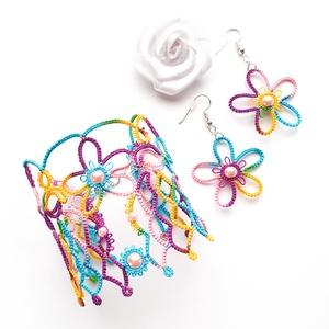Hajócsipke karkötő, csipke ékszer, sárga, türkiz, lila, rózsaszín melírozott csipkés kiegészítő, gyöngyös kézelő - Meska.hu