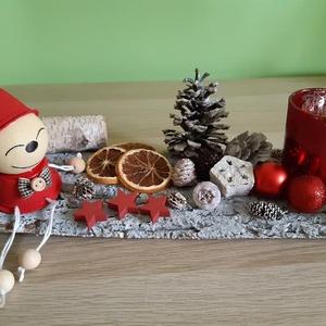 Karácsonyi asztali dísz, Otthon & Lakás, Karácsony & Mikulás, Karácsonyi dekoráció, Festett tárgyak, Újrahasznosított alapanyagból készült termékek, Kávékapszulából készült figurával díszített karácsonyi asztali dísz. A figura - ami kávékapszulából ..., Meska
