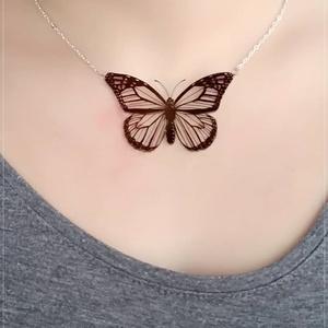 Pillangó  - Zsugorka medál láncon (Neverland) - Meska.hu