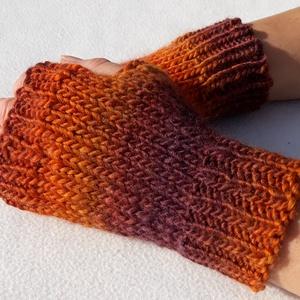 Sakasi- kötött ujjatlan kesztyű. (S-M) Puha, meleg, nagyon kellemes tapintású, rövid ujjatlan kesztyű, szép színekkel, Táska, Divat & Szépség, Sál, sapka, kesztyű, Ruha, divat, Kesztyű, Kötés, Lila-rozsda színátmenetes, puha, meleg gyapjú-akril keverékfonalból, készült ez az ujjatlan kesztyűt..., Meska