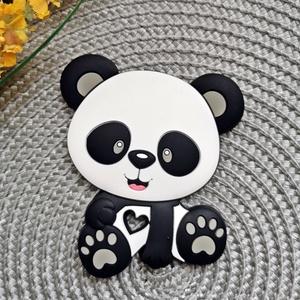 Szilikon rágóka figura - Panda, Vegyes alapanyag, Egyéb alapanyag, Mindenmás, Szilikon rágóka medál rágókaláncok, cumiláncok készítéséhez.  A hátulja jól texturált, fejleszti a ..., Alkotók boltja