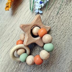 Marokrágcsa / Rágókarika - Csillag figurával, Játék & Gyerek, 3 éves kor alattiaknak, Rágóka, Gyöngyfűzés, gyöngyhímzés, Fogzást segítő szilikon és natúr fa gyöngyökből készült marokrágcsa csillag figurával.\n\nA változatos..., Meska