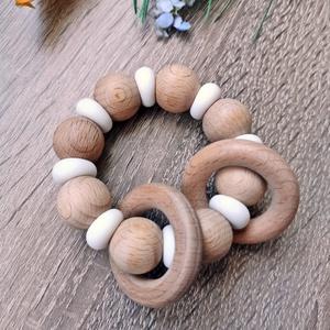 Marokrágcsa / Rágókarika, Játék & Gyerek, 3 éves kor alattiaknak, Rágóka, Gyöngyfűzés, gyöngyhímzés, Fogzást segítő szilikon és natúr fa gyöngyökből készült marokrágcsa.\n\nA változatos színek és formák ..., Meska