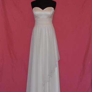 4d6b82a7a6 Csipkés esküvői ruha, Esküvő, Ruha, divat, cipő, Menyasszonyi ruha, Esküvői