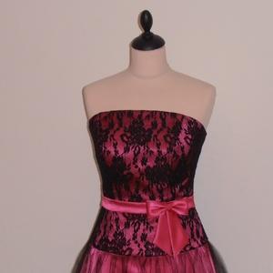 Pink  fekete tüllös alkalmi ruha nyakkendővel, Táska, Divat & Szépség, Ruha, divat, Női ruha, Ruha, Estélyi ruha, Varrás, Pink színű szatén váll nélküli masnis menyecskeruha fekete csipkével és tüllel kombinálva.A ruha hát..., Meska