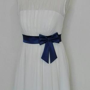 Szaténöv masnival , Alkalmi ruha & Estélyi ruha, Női ruha, Ruha & Divat, Varrás, Kék színű szaténöv masnival  esküvői ruhára \nMéretre rendelhető maximum 100 cm -ig.\nMasni alatt pate..., Meska