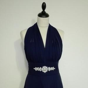 Marilyn Monroe jellegű  alkalmi ruha 3 színben, Ruha & Divat, Női ruha, Alkalmi ruha & Estélyi ruha, Varrás, Sötétkék színű nyakpántos loknis szoknyájú  alkalmi ruha muszlinból és szaténból.Derekán strasszkőve..., Meska