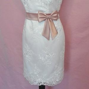 Szaténöv masnival , Öv & Pánt, Kiegészítők, Esküvő, Varrás, Mályva rózsaszín színű szaténöv masnival alkalmi vagy esküvői ruhára.\nMasni alatt patenttal záródik...., Meska